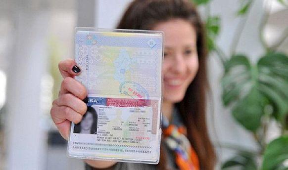 Украинцы за2016 год получили больше всего разрешений напроживание вЕС