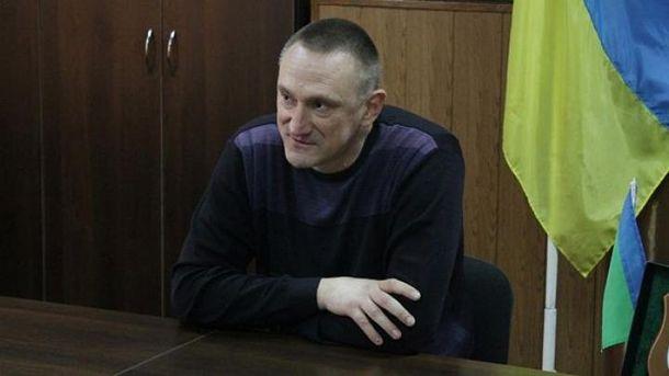 Заподозренный вналичии русского паспорта мэр Доброполья, все-таки возможно, выехал вРФ
