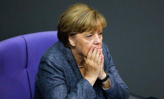 Ангела Меркель мчит навстречу закату