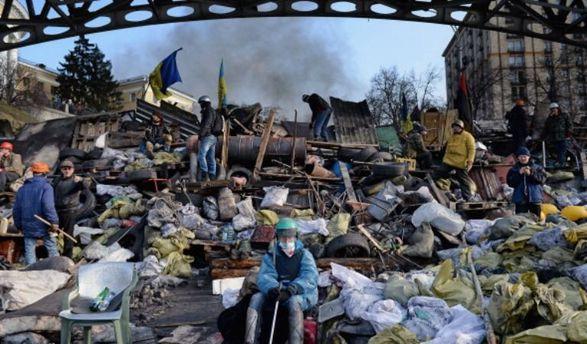 Порошенко прирівняв постраждалих наМайдані доучасників бойових дій