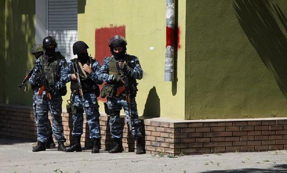 Наблюдатели ОБСЕ зафиксировали вошедшую вЛуганск военную колонну