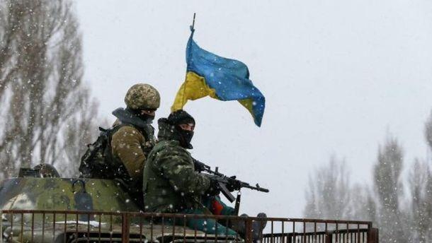 Боевики 12 раз обстреляли позиции сил АТО, трое военных пострадали