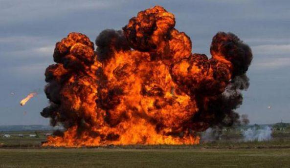 ВДонецке прогремели взрывы навоенных объектах боевиков,