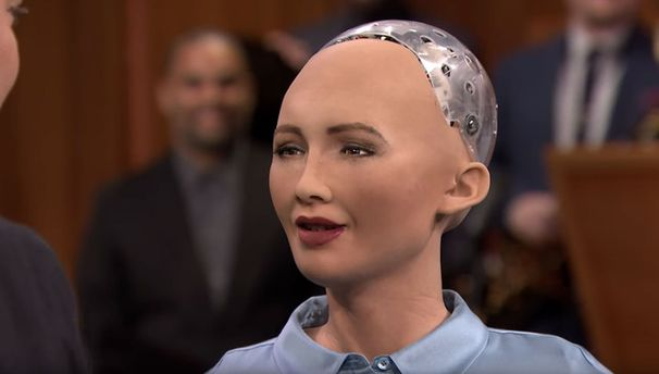 1-ый вмире робот сгражданством София сообщила, что желает сделать семью