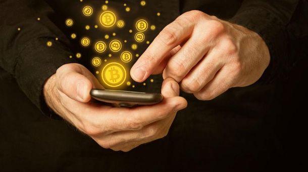 Bitcoin обрушился на18%
