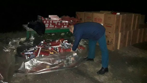НаЗакарпатье таможенники обнаружили 6 тыс. пачек контрабандных сигарет