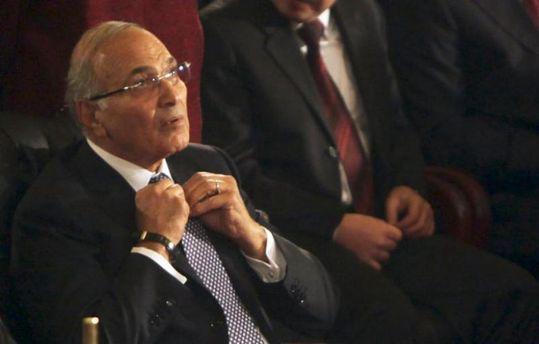 Экс-премьера Египта депортировали изОАЭ