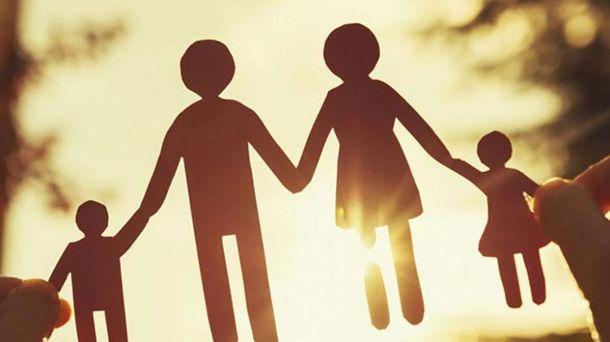 У шлюбі і з дітьми: українська молодь розповіла, якою бачить своє майбутнє