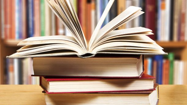 В Україну заборонили ввозити 20 російських книжок
