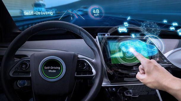 Компанія Nissan намагається випередити Tesla у випуску безпілотного авто