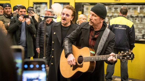 Культовий гурт U2 виступив на станції метро U2: фоторепортаж із Берліна