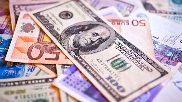 Наличный курс валют 11 декабря: евро и доллар синхронно растут