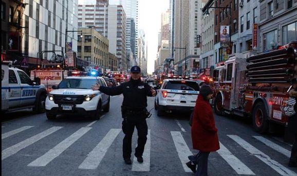Поліція Нью-Йорка евакуює людей через інформацію про вибух наМанхеттені — США