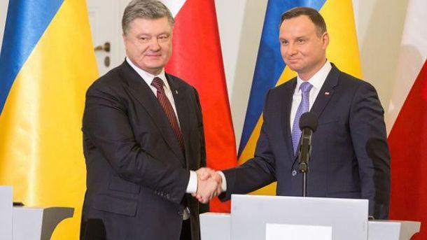 Невзирая напротесты, сенат Польши принял скандальные законы осудопроизводстве