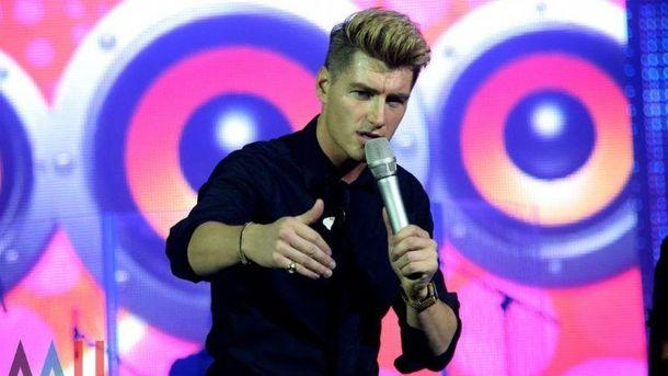 Популярний російський співак  влаштував концерти в окупованих Донецьку і Луганську