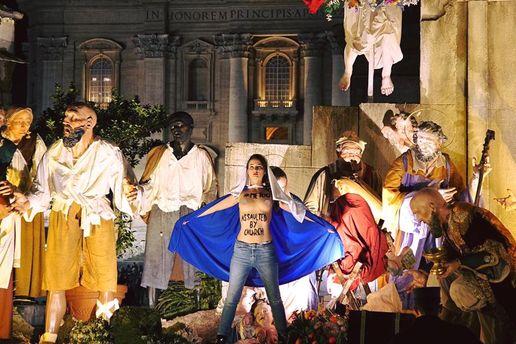 Активістки Femen провели акцію уВатикані