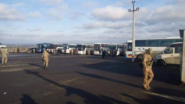 При обмене заложник спрятался вавтобусе, чтобы невозвращаться вОРДО
