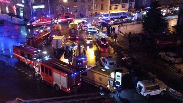 ЗМІ повідомили про вибух водному змагазинів Санкт-Петербурга