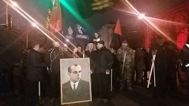 Рівнян закликають приєднатися досмолоскипної ходи начесть Степана Бандери