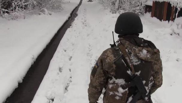 Різдвяне перемир'я: бойовики знову гатили зБМП, гранатометів та мінометів