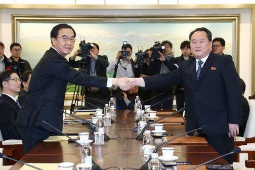 Перемовини між Південною та Північною Кореєю: розмови замінили ракети
