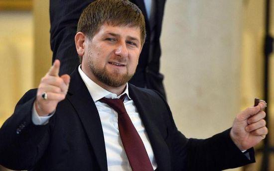 Чеченка звернулась до Кадирова у відеозверненні
