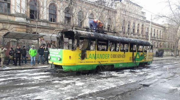 Вцентре Одессы зажегся  трамвай