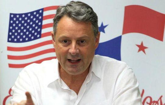 Посол США вПанамі пішов у відставку через незгоду зполітикою Трампа