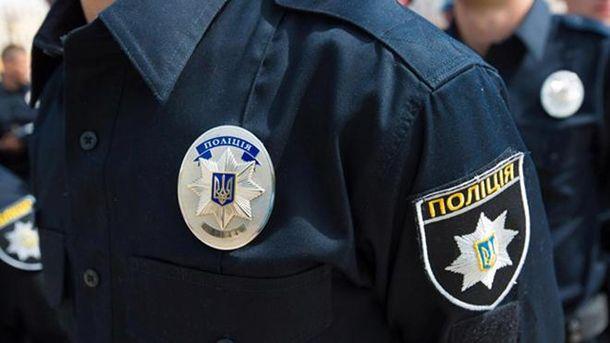 ВХарькове патрульный грозил пистолетом охранникам магазина