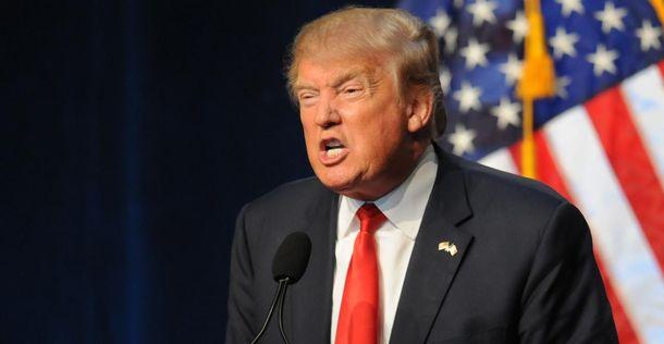 Американское печатное издание  показало, изкакой «дыры» вылез Трамп