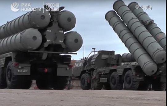 Появилось видео установленного в Крыму ракетного комплекса России