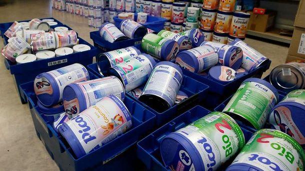 Відома компанія дитячого харчування масово відкликала свою продукцію: скандальна причина