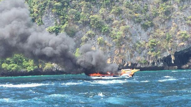 ВТаиланде взорвалась моторная лодка стуристами
