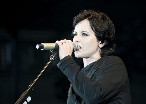 Раптова смерть: померла вокалістка легендарної групи The Cranberries