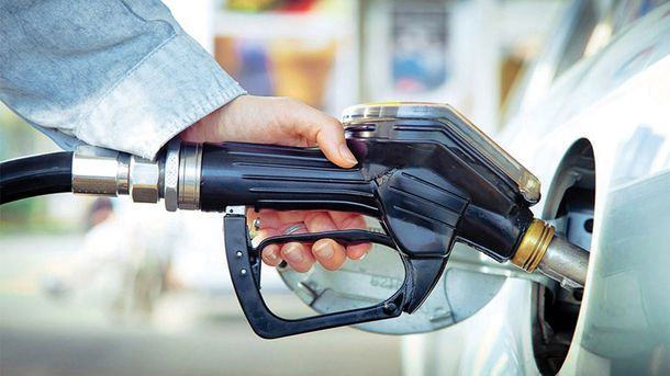 Почему в Украине стремительно дорожает топливо: объяснение эксперта