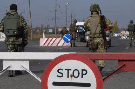 Бойовики наДонбасі обстріляли автобус із цивільними, є загиблий