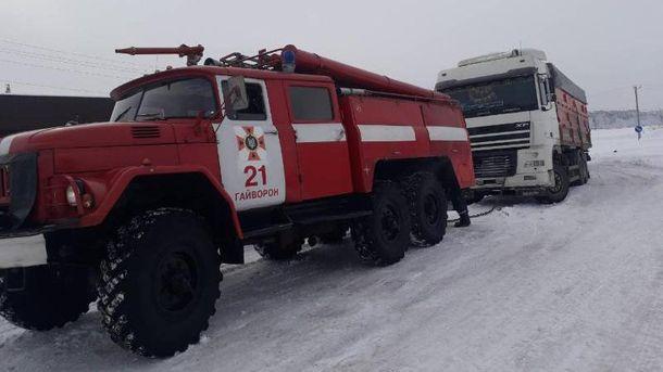 В двух областях Украины ограничили движение транспорта из-за непогоды