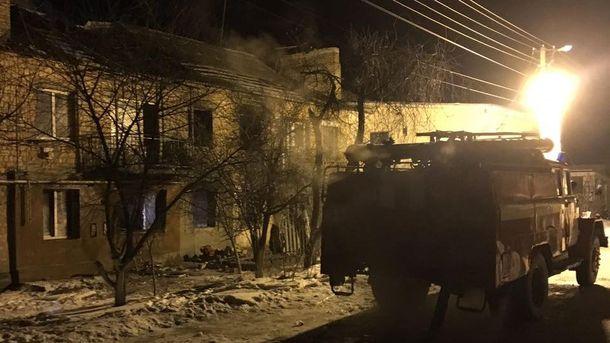 Вибух у квартирі на Київщині: рятувальники показали фото знищеного будинку