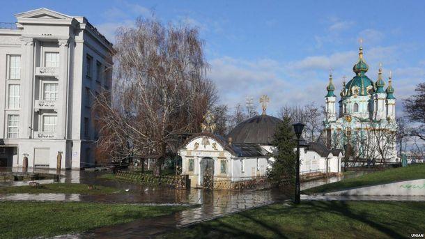 Скандал навколо «монастиря» УПЦМП біля Десятинної церкви: неочікувана заява від Генпрокуратури