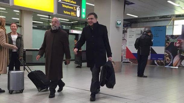 Саакашвили позволили жить иработать вЕС