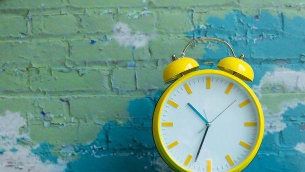 Коли переводять годинники на літній час у 2018 році