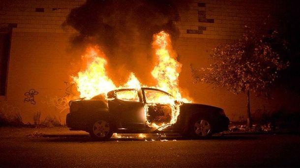 Невідомі підпалили автомобіль судді вцентрі Одеси