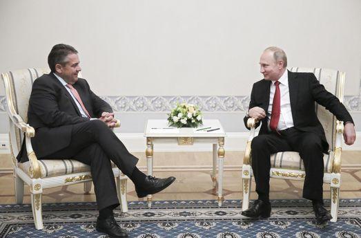 Знімайте санкції, бо Путін нападе, або Новий німецький посіпака для Кремля