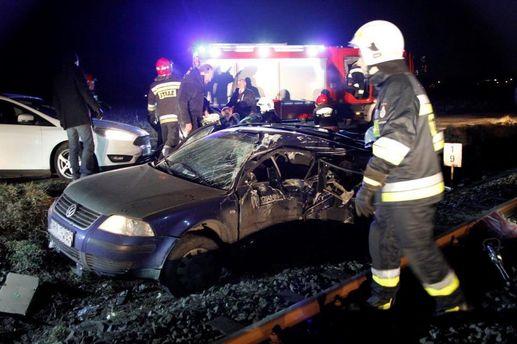 УПольщі авто зіткнулося зпотягом: загинуло четверо українців