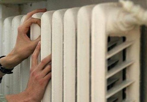 ВКиеве из-за дорожной аварии без тепла остались жилые дома ишкола