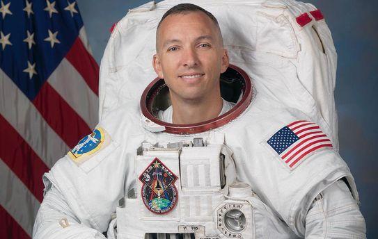 Астронавт США передасть Житомиру прапор України, який він розгорнув наМКС