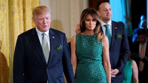 Меланія Трамп зачарувала стильним образом на офіційному прийомі: фото