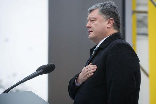 Порошенко: Украинцы смогут оформить визу вКувейт ваэропорту