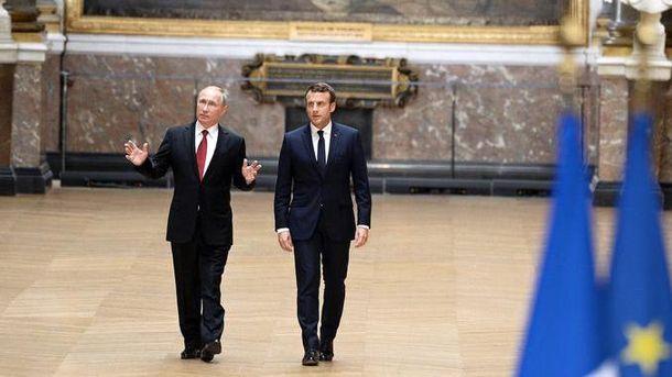 Макрон поздравил В.Путина спобедой