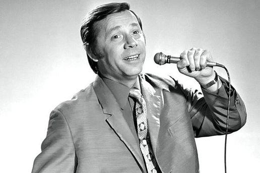 На88 році життя помер актор і співак Олег Анофрієв